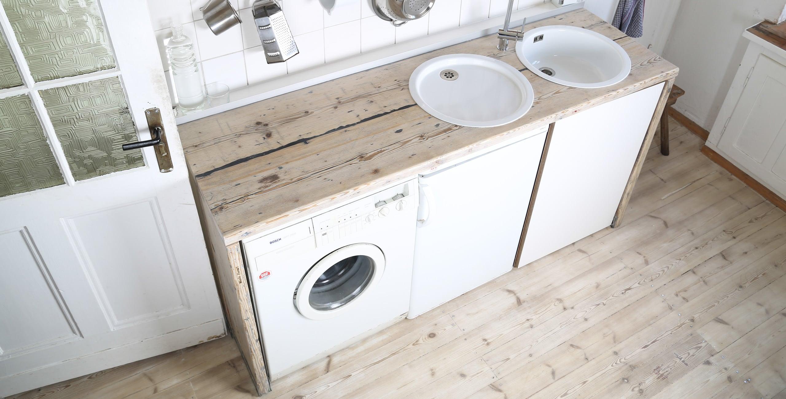 Küchenpantry aus ausrangierten Gerüstbohlen